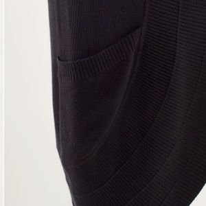 lululemon athletica Sweaters - Lululemon | Black/Coal Transformantion Wrap
